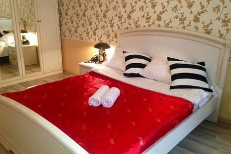 Сдается 2-комнатная квартира посуточнов Оренбурге, ул. Салмышская, 62.