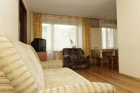 Сдается 2-комнатная квартира посуточно в Улан-Удэ, ул. Терешковой, 16.