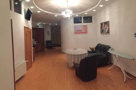 Сдается 3-комнатная квартира посуточно в Тюмени, ул. Красина, 15.