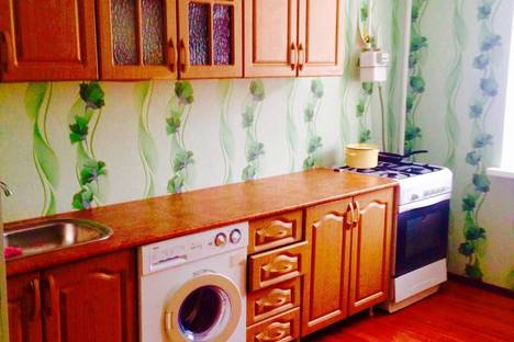 Сдается 2-комнатная квартира посуточно в Альметьевске, Шевченко 164.