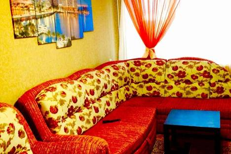 Сдается 2-комнатная квартира посуточнов Альметьевске, Ленина 93.