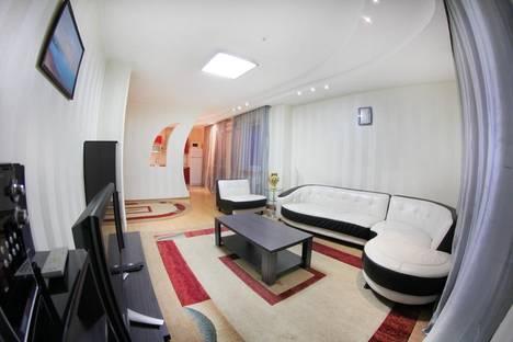 Сдается 3-комнатная квартира посуточнов Алматы, Каблукова 270.