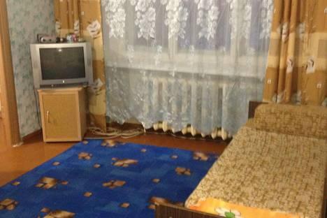 Сдается 2-комнатная квартира посуточно в Кировске, мира 5.