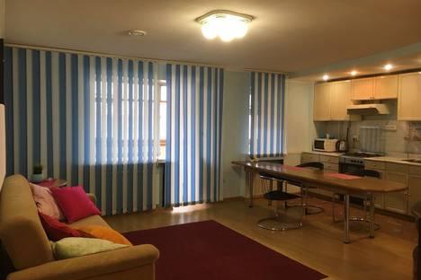 Сдается 2-комнатная квартира посуточно, ул.К.Мяготина. 165а.