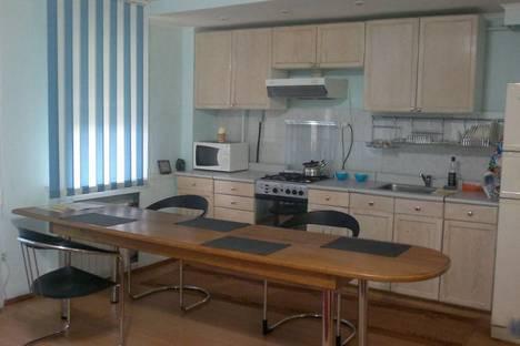 Сдается 2-комнатная квартира посуточно в Кургане, ул.К.Мяготина. 165а.