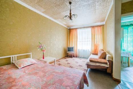 Сдается 1-комнатная квартира посуточнов Екатеринбурге, Челюскинцев, 60.