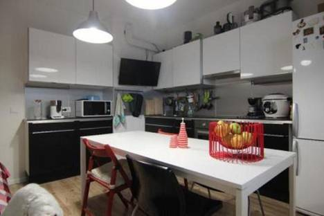 Сдается 1-комнатная квартира посуточнов Екатеринбурге, переулок Красный, 4а.