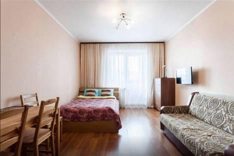 Сдается 1-комнатная квартира посуточнов Санкт-Петербурге, ул. Брянцева, 13.