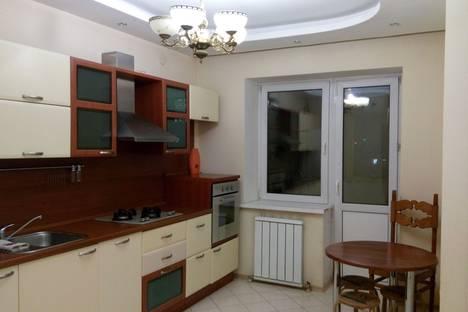 Сдается 3-комнатная квартира посуточнов Якутске, ул. Петра Алексеева, 17.