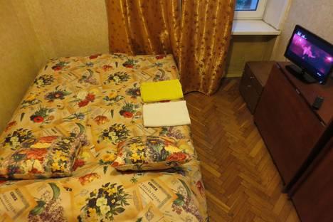 Сдается 2-комнатная квартира посуточнов Пушкино, Перовская ул., 8к2.