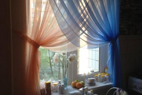 Сдается 2-комнатная квартира посуточно в Серпухове, ул. Центральная, дом 162.