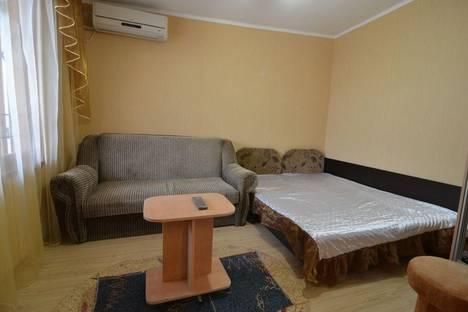 Сдается 1-комнатная квартира посуточно в Алуште, Ленина 3.