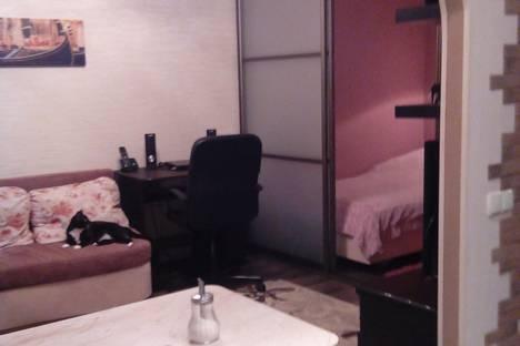 Сдается 1-комнатная квартира посуточнов Лобне, ул. Маяковского, 3/8.