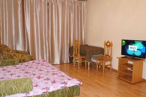 Сдается 2-комнатная квартира посуточнов Якутске, ул. Орджоникидзе, 56.