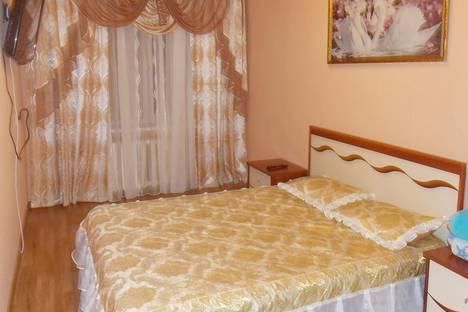 Сдается 2-комнатная квартира посуточно в Курске, ул. Карла Маркса дом 65а.