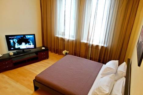 Сдается 1-комнатная квартира посуточно в Подольске, 43 Армии дом 15.