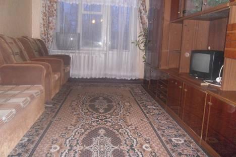 Сдается 1-комнатная квартира посуточнов Глазове, Кирова 7.