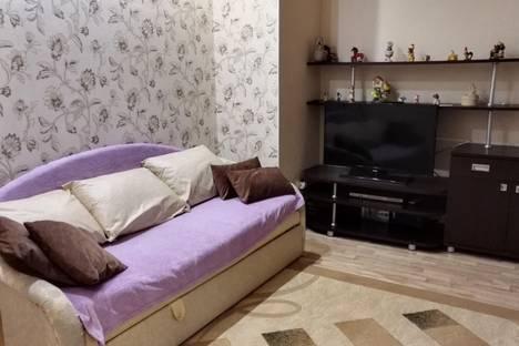 Сдается 1-комнатная квартира посуточно в Ханты-Мансийске, ул. Гагарина 149.