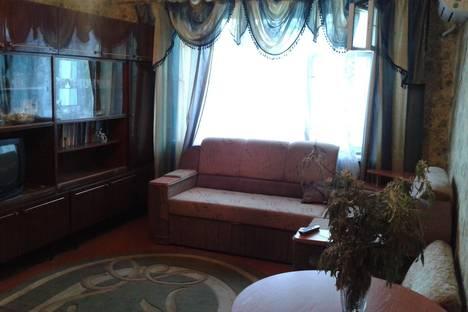 Сдается 2-комнатная квартира посуточно в Феодосии, Крымская 25.