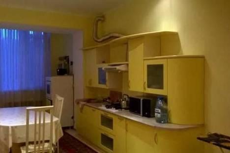 Сдается 2-комнатная квартира посуточно в Уральске, ул. Жунисова, 200.
