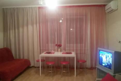 Сдается 2-комнатная квартира посуточно в Екатеринбурге, ул. Циолковского, 34.