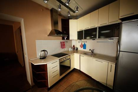 Сдается 2-комнатная квартира посуточнов Санкт-Петербурге, марата, 45.