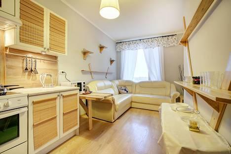 Сдается 1-комнатная квартира посуточно в Санкт-Петербурге, ул. Композиторов, 12 А.