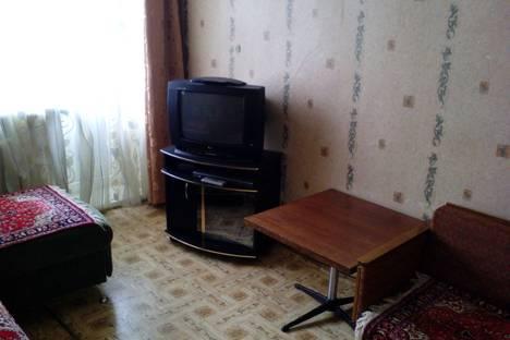 Сдается 1-комнатная квартира посуточнов Назарове, ул. 30 лет ВЛКСМ, 57а.