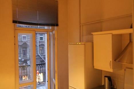 Сдается 1-комнатная квартира посуточнов Санкт-Петербурге, Владимирский проспект, 8.