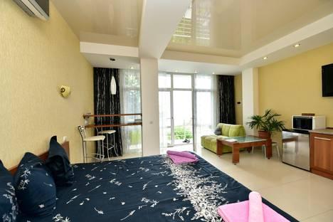Сдается 1-комнатная квартира посуточнов Ялте, пер. Матросский 2.