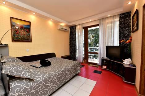 Сдается 1-комнатная квартира посуточнов Ялте, Дражинского 29.
