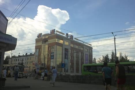 Сдается 2-комнатная квартира посуточно в Кирове, ул. Воровского, 46.