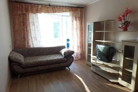 Сдается 1-комнатная квартира посуточнов Омске, ул. Перелета,  6.
