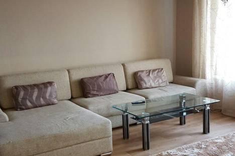 Сдается 2-комнатная квартира посуточно в Южно-Сахалинске, Есенина 7.