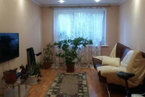 Сдается 3-комнатная квартира посуточно в Челябинске, Братьев Кашириных 105а.