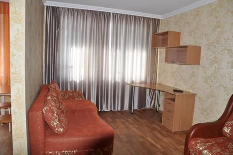 Сдается 1-комнатная квартира посуточно в Барнауле, проспект Ленина, 49.
