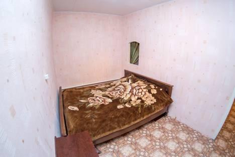 Сдается 2-комнатная квартира посуточно, Луговая 25.
