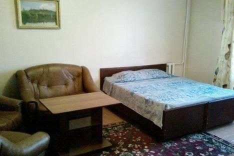 Сдается 2-комнатная квартира посуточнов Новочеркасске, Баклановский проспект, 126, Космос.