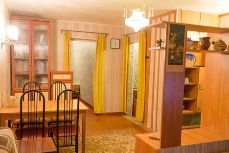Сдается 2-комнатная квартира посуточно в Череповце, Ленина 157.