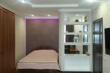 Сдается 1-комнатная квартира посуточнов Якутске, Каландаришвили 21.