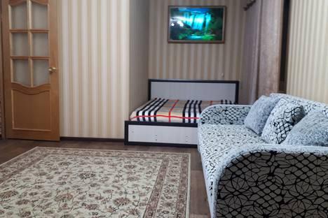Сдается 1-комнатная квартира посуточно в Волжском, улица Мира, 65.