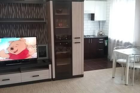 Сдается 2-комнатная квартира посуточно в Ялте, К.Маркса 11.