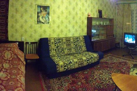 Сдается 1-комнатная квартира посуточно в Кировске, Ленинградская, 24.