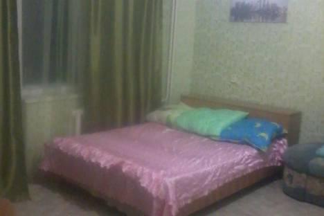 Сдается 2-комнатная квартира посуточно в Назарове, 8-й микрорайон, 5.