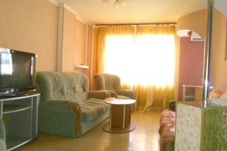 Сдается 2-комнатная квартира посуточно в Биробиджане, ул. Шолом-Алейхема, 79.