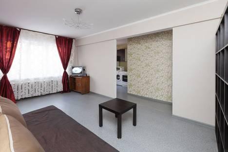 Сдается 2-комнатная квартира посуточно в Новосибирске, ул. Вокзальная магистраль, 17.