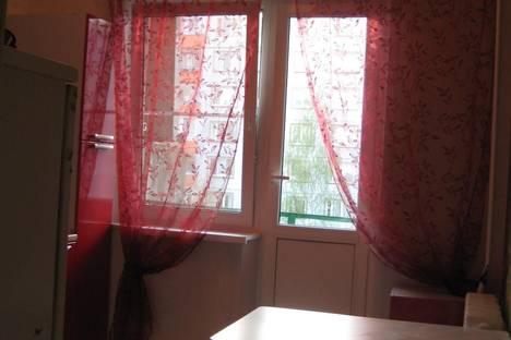 Сдается 3-комнатная квартира посуточно в Великом Новгороде, ул. Коровникова, 3 к.2.
