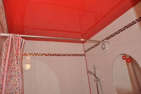 Сдается 2-комнатная квартира посуточнов Омске, проспект Карла Маркса, 37.