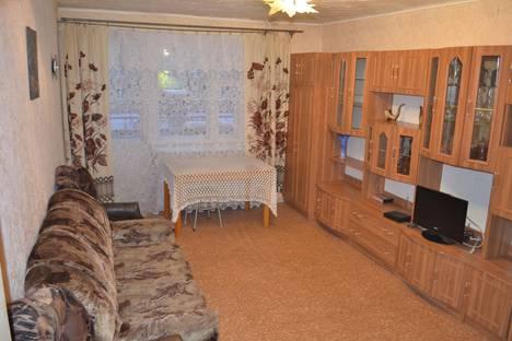 Сдается 2-комнатная квартира посуточно в Белорецке, ул. Гафури, 159.