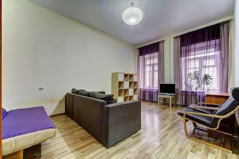 Сдается 1-комнатная квартира посуточново Всеволожске, Лиговский проспект дом 84/2.